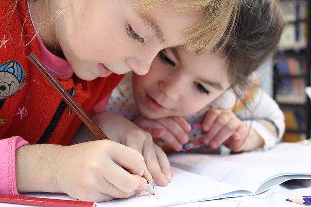 子供が2人で勉強